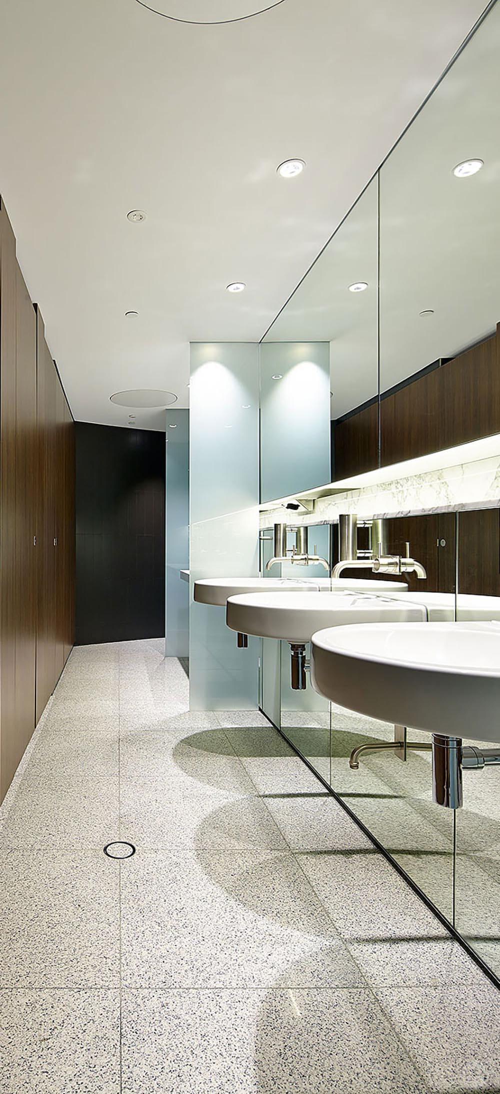 Xl Glass Shower Cubicles