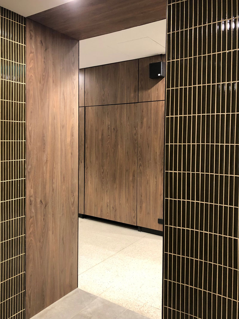 Wall-Panelling–(VW15070r—North-Blackburn-Shopping-Centre-P4)